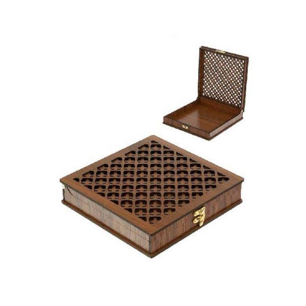 صندوق خشبي للهدايا